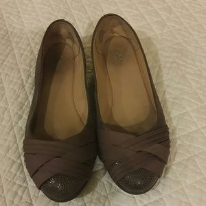 Other - Easy Spirit girls size 6M brown shoes.